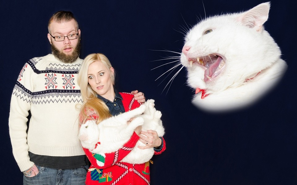 These Are Possibly The Worst Family Christmas Cards Ever